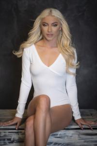 Evoni Bodysuit mit V-Ausschnitt white