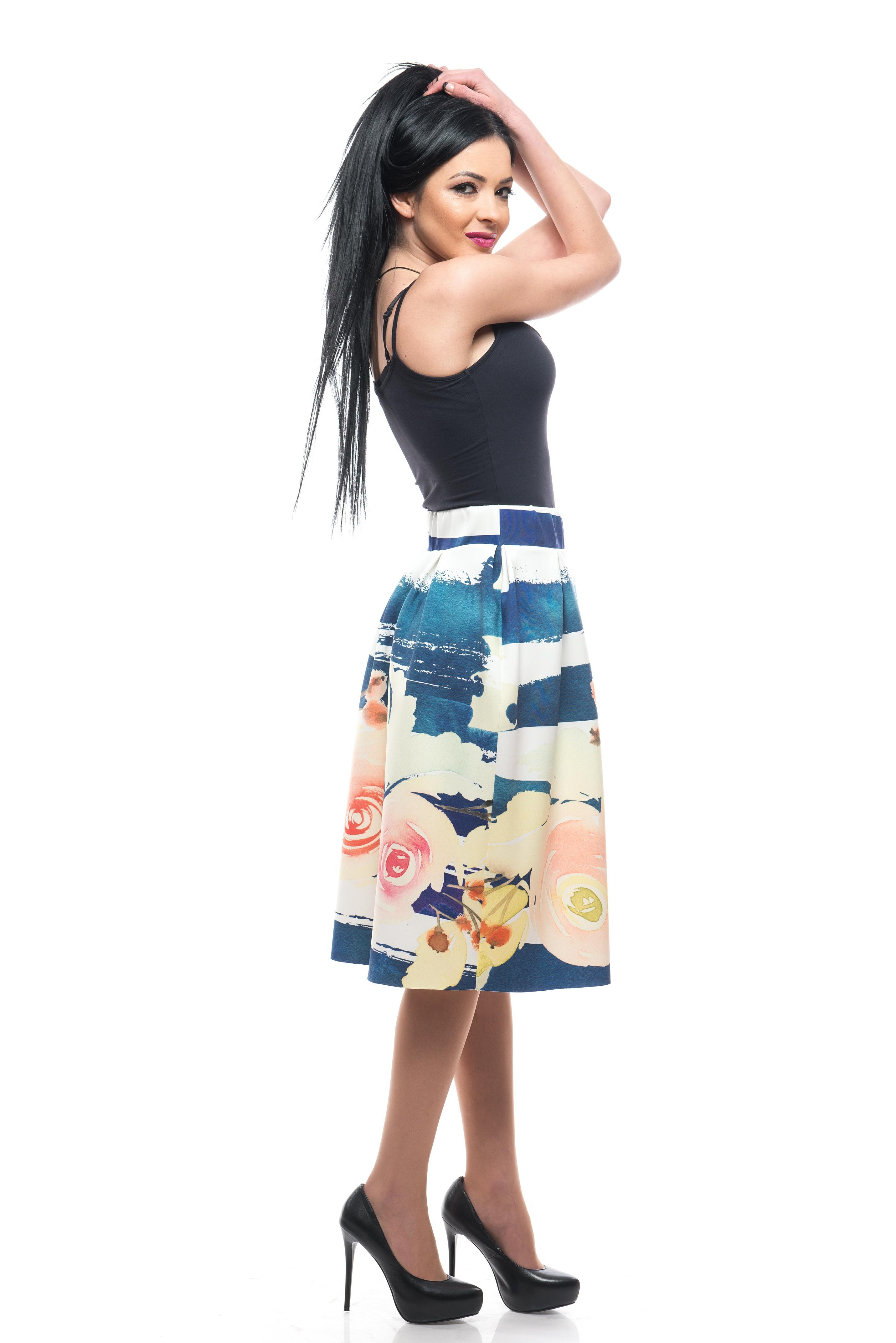 My Magenta Damen Kleid onhe Ärmel mit kleinen Blumen in Schwarz